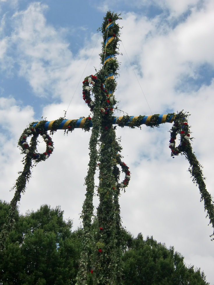 Midsummer pole in Sofiero